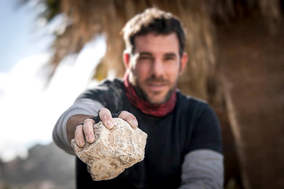 Julien Denans, batisseur et tailleur pierre sèche Toulon et Var